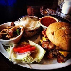 Smalleys-roundup-restaurant-salinas-2